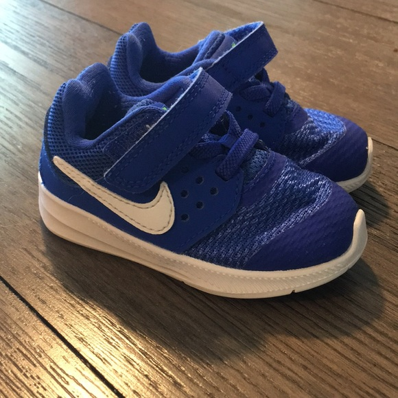 Size 5t Nike Downshifter 7 Toddler Boys
